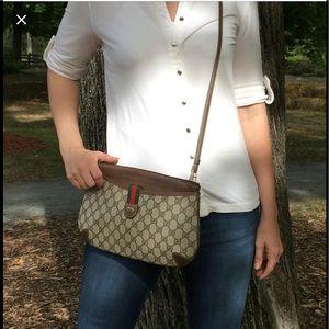 💯 Vintage GUCCI Crossbody Bag 💕 FLASH SALE